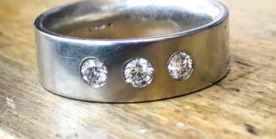 platinum diamond wedding ring