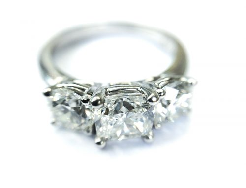 SHOWCASE: Diamond & Platinum cocktail/ Engagement Ring