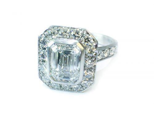 SHOWCASE: Diamond & Platinum cocktail/ Engagement Ring