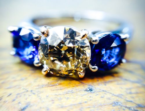 ENGAGEMENT RINGS: Diamond & Sapphire Engagement Ring