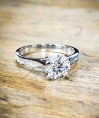 Diamond & Platinum 4 claw solitaire engagement ring