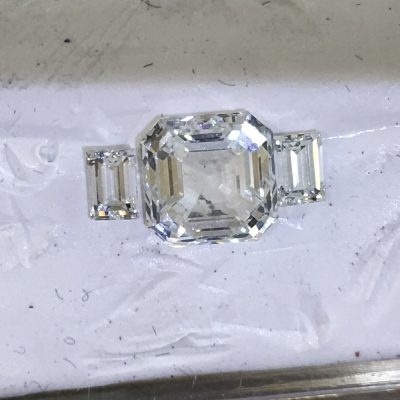 Shoulder stones for asscher cut