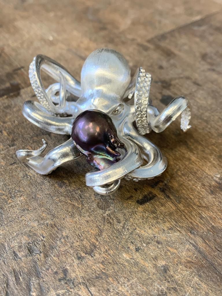 post soldered with pearl